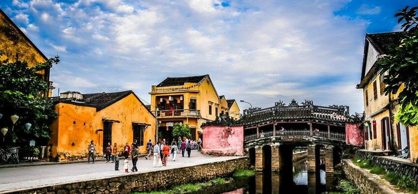hoi an is one of the least polluted cities and ranked best beach city in vietnam to live