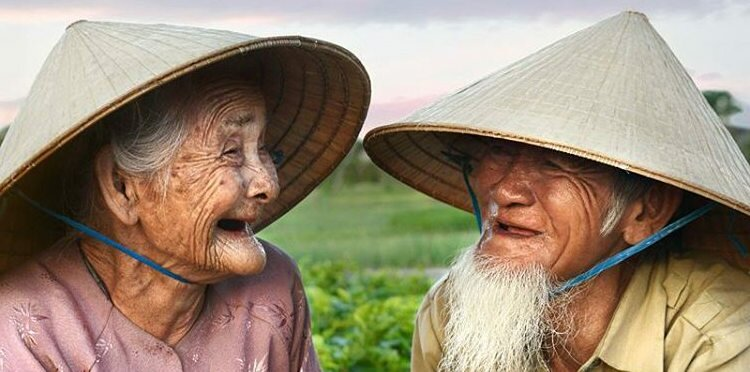 people living in vietnam have huge smile, very friendly and welcome foreigners