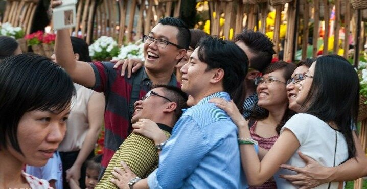 Vietnamese people are friendly and welcoming foreigners who come to live and find a work in Vietnam