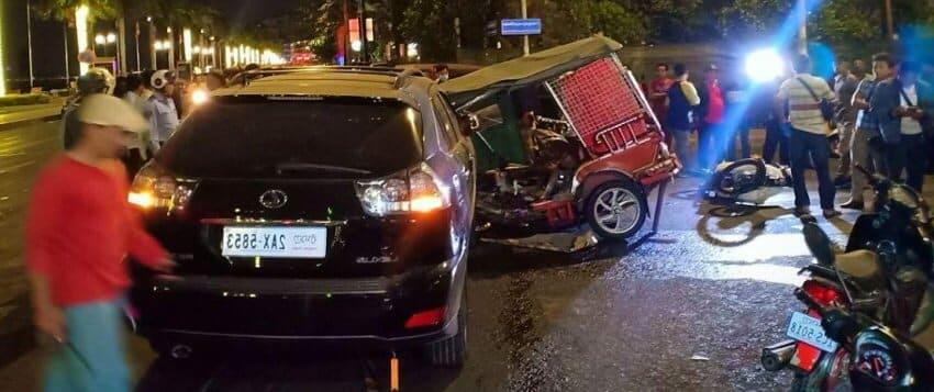 accident et danger de santé : chauffeur de tuktuk au Cambodge