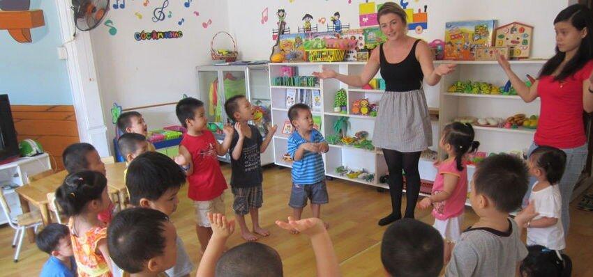 Apprendre l'anglais aux enfants vietnamiens sans diplôme TEFL salaire
