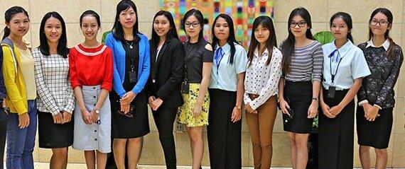travailler au Cambodge et rencontrer des khmer d'ONG pour des stages de volontariat