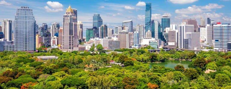 travailler dans une ville dynamique de thaïlande plein d'opportunités