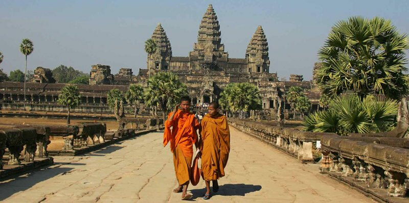 Why should you move to cambodia to become an expat : mix tradition and modern