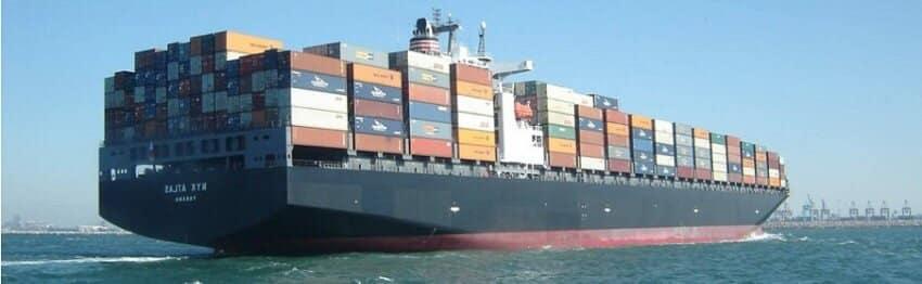 Déménagement par bateau porte conteneur pour traverser la mer de la France au Vietnam