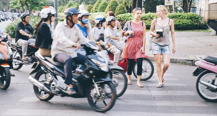 Find a job in Vietnam with or without a Diploma