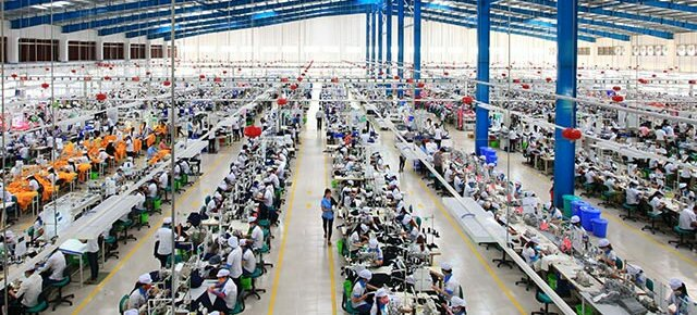 pros and cons of manufacturing in vietnam : electronics, carpet manufacturers, clothing, shoe