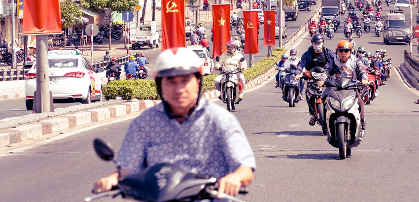 is it mandatory to have a local or international driving license in Vietnam ?