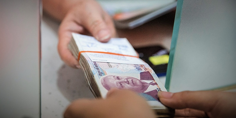 official money in cambodia : riel
