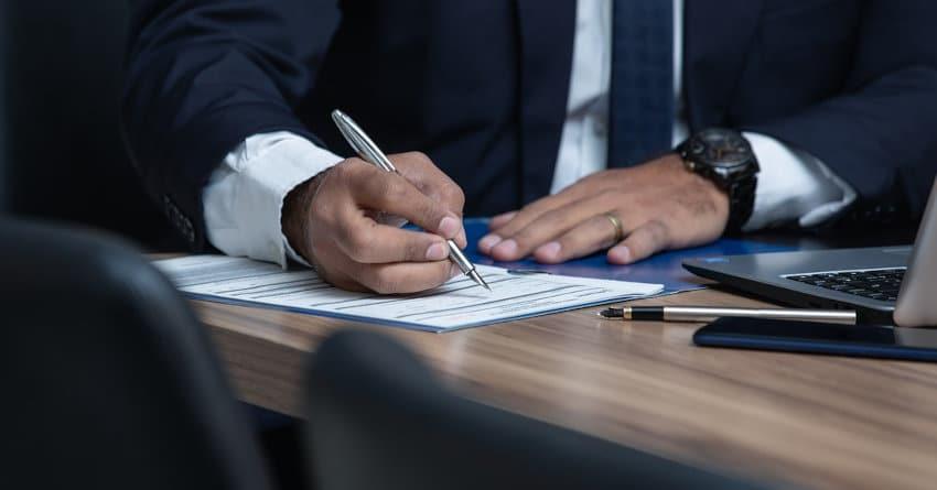 Consulter un avocat certificat de propriété ou création de société pour les étrangers