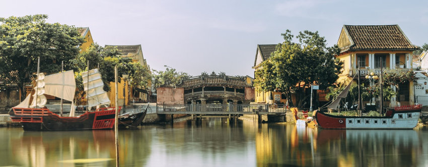 choose a location in a city of Vietnam