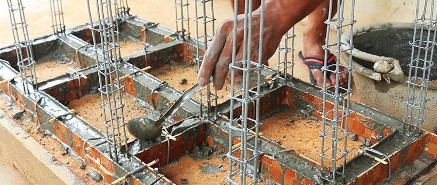 définir les fondations en béton pour la structure de la maison