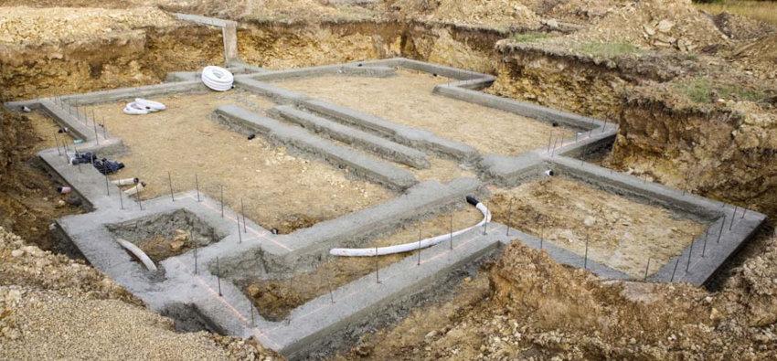fondations et structure métalique pour la construction au Vietnam